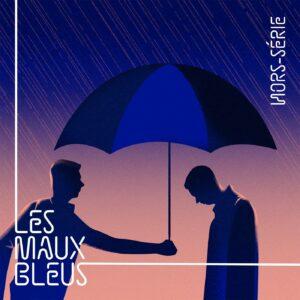 Homme tendant un parapluie à un autre homme sous la pluie.